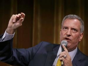 1377722937000-AP-NYC-Mayoral-Race-Poll
